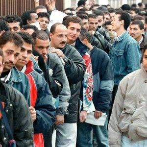 США хотят размещать мигрантов на пустующих военных базах