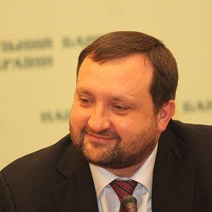 Суд ЕС отменил санкции против Арбузова, введенные в 2017 году