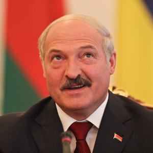 Лукашенко призвал белорусов переходить с водки на вино