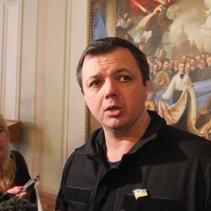 Семенченко незаконно ездил в Грузию с диппаспортом - Геращенко