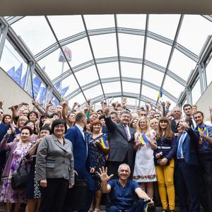 Порошенко назвав метро Харкова кращим в світі: фото нової станції