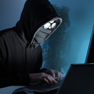 Полицейские незаконно майнили криптовалюту на работе