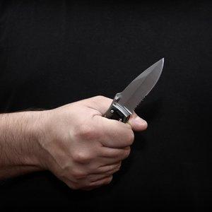 П'яний поліцейський порізав ножем патрульного в Києві: фото
