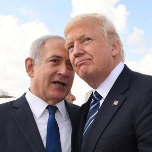 Газета отказалась от карикатур после обвинений в антисемитизме