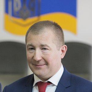 Адвокаты Януковича не пускали в суд его бесплатного защитника