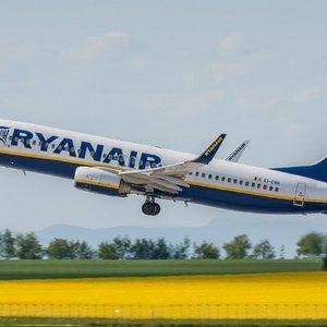Ryanair отменила 600 авиарейсов из-за забастовок сотрудников