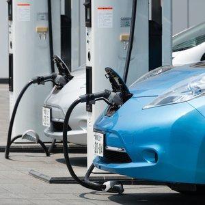 Названа страна-лидер по плотности зарядок для электромобилей