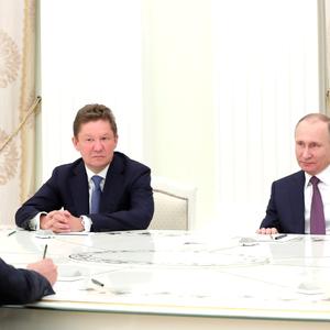 Окружение Путина стояло за транзитом газа в Украину - СМИ