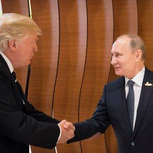 """""""У вас есть шанс"""": Трампа и Путина призвали изменить ход истории"""