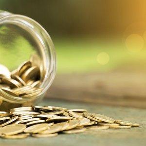 Менее трети украинцев получают зарплату больше 10 тыс. грн