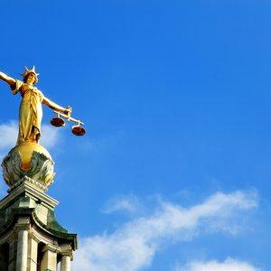 Нафтогаз: Английский суд разрешил заморозить активы Газпрома