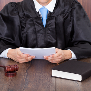 В Николаеве глава аппарата суда задержан на взятке - прокуратура