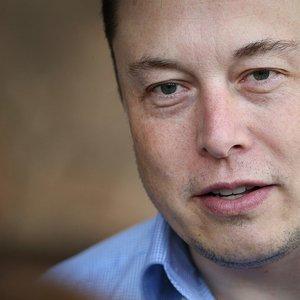 """NYT узнал о """"плане Б"""" Илона Маска по выкупу Tesla"""