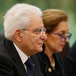 Президенту Италии угрожают импичментом