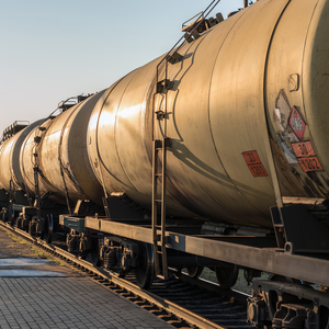 УЗ начала разворачивать цистерны с российским сжиженным газом