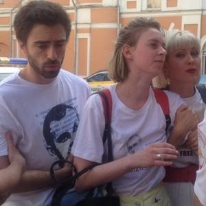 В Москве задержали актеров за листовки в поддержку Сенцова