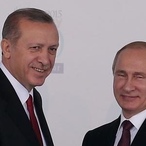 Санкции в деле. Почему падают валюты России и Турции