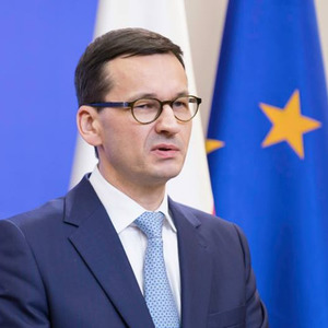 Премьер Польши не считает, что Трамп уступил Путину по Украине