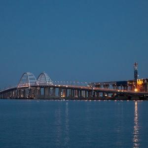 ЕС введет санкции против причастных к строительству моста в Крым