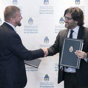 Украина и Аргентина договорились передавать заключенных