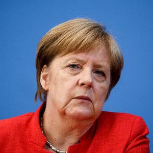 У Меркель дивуються через заяву Путіна про владу України