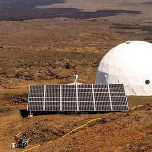 Марсианская база, электро-жвачка, робозмея: технохиты недели