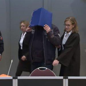 В ФРГ судят медика, обвиненного в убийстве 100 человек: видео