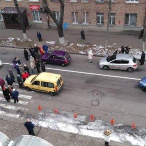 Тепла немає: в Києві мешканці без опалення перекрили дороги