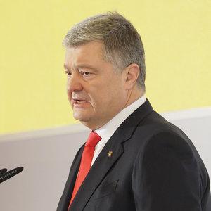 Порошенко обещает помогать следующему президенту