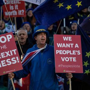 В суде ЕС заявили, что Британия может остановить Brexit
