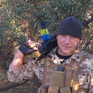 Герой України: президент посмертно нагородив учасника АТО - фото