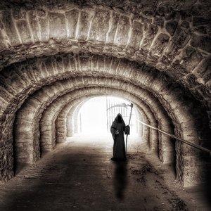 """Почему перед смертью люди видят """"свет в конце тоннеля"""" - ученые"""