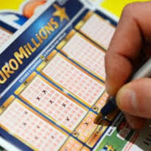 Найденный в авто лотерейный билет принес британцу $96 млн
