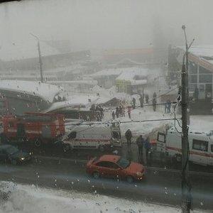 На ринку в окупованій Макіївці на людей впав дах: відео