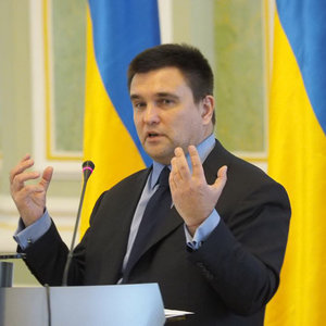 Матеріали для судів з Росією везли в чотирьох мінівенах - Клімкін