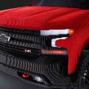 В США собрали натуральный Chevrolet Silverado из Lego: видео
