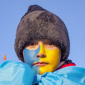 Кому украинцы не доверяют больше всего: опрос