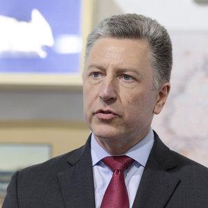 Курт Волкер прибыл с визитом в Украину. Встретился с Тимошенко
