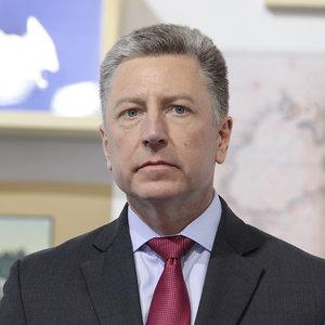 Волкер ожидает, что Путин согласится на обмен пленными