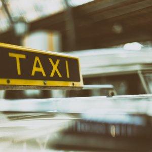 """Залишив річ в таксі. Київ - у топ-10  """"забудькуватих"""" столиць"""