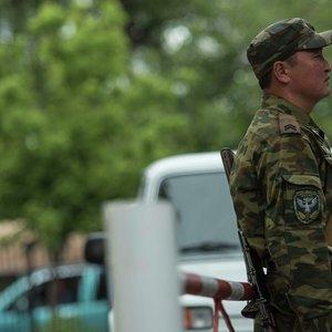 Бросались камнями: конфликт на границе Кыргызстана и Таджикистана