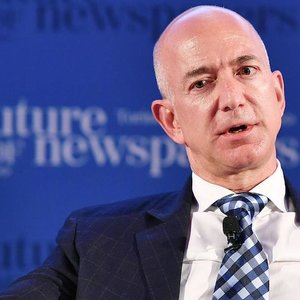 Джефф Безос продал акции Amazon на $1,8 млрд