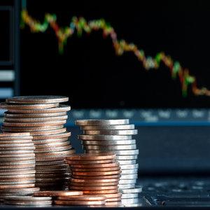 """Экономика Украины остается одной из самых """"несчастных"""": Bloomberg"""