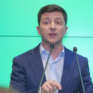 Зеленский обвинил ЦИК в затягивании результатов выборов: видео