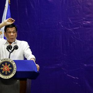Президент Филиппин: Стреляйте в коррупционеров, бейте их