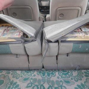 З Донецька в схованці авто намагалися ввезти 5 млн грн: фото