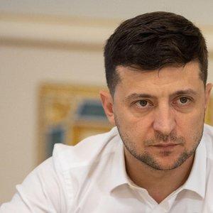 Зеленский рассказал, когда могут снять мораторий на продажу земли