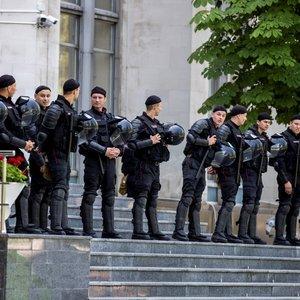 Обострение в Молдове: полиция оцепила здание правительства
