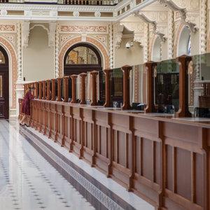 НБУ разрешил банкам обслуживать клиентов по загранпаспорту