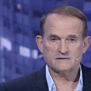 Медведчук подал в суд на НВ